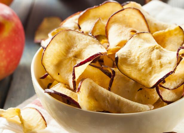 Tørkede epler er deilig snacks.