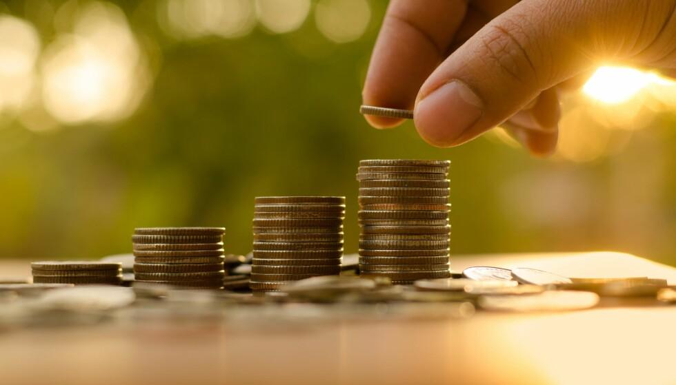 MYE Å SPARE: Med noen enkle justeringer, kan du kutte strømforbruket og dermed spare mye penger gjennom året. Illustrasjonsfoto: Scanpix.