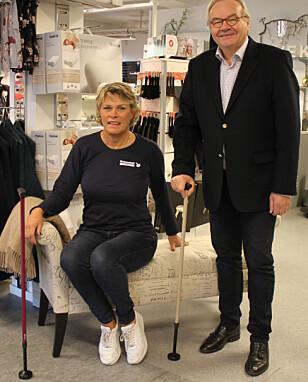 <strong>STØDIG STOKK:</strong> Kjersti Jølberg ved Helsevekst Medikal AS og Steinar Ask Magnussen fra Northzone Biomedical AS med hver sin Swingstokk. Foto: Bente Wemundstad.