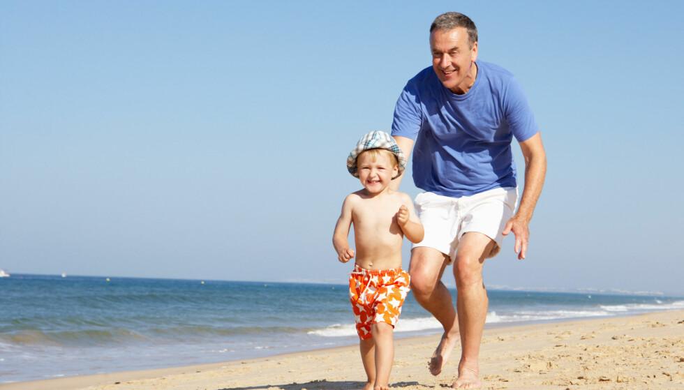 BESTILL NÅ: Vil du ha med deg barn og barnebarn på neste års sommerferie, er det best å bestille reisen allerede nå - da blir turen billigst og best! Foto: Scanpix.