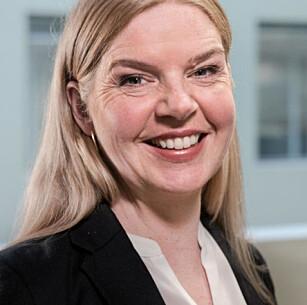 SJEKK FØR DU HANDLER: Pia Cecilie Høst, leder for forbrukerdialog i Forbrukerrådet, råder deg å sjekke butikkens vilkår før du handler maten på nett. Foto: Forbrukerrådet.
