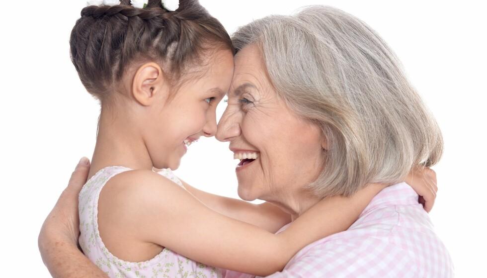 FARMORS FRYKT: Å «miste» barnebarna i et samlivsbrudd er en større frykt for farmor enn mormor. Foto: Scanpix.