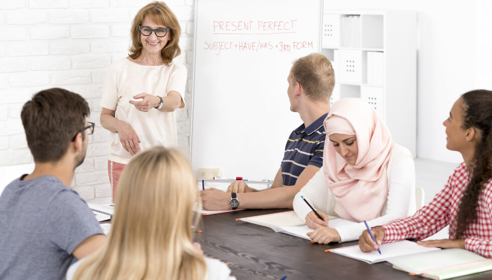 JOBBER LENGST: Én gruppe yrkesaktive jobber lenger enn resten. Foto: Scanpix.