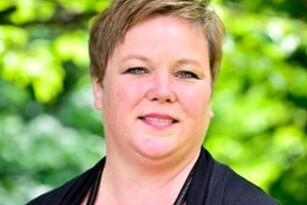 GIR RÅD: Chera Westman, informasjonskonsulent hos IFI. Foto: IFI