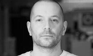 <strong>SPILLEKSPERT:</strong> Thomas Marynowski, spillekspert og prosjektleder ved storylabs, spår at treningsspill i form av virtuell virkelighet er fremtiden. Foto: Storylabs.