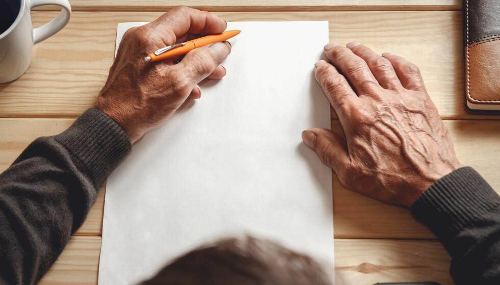 Skriv testament uten advokat: Det er en rekke formelle krav rundt testament, men du kan skrive det selv. Foto: Shutterstock