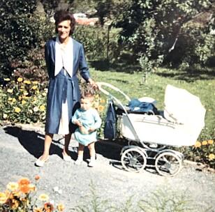 Mor og datter: Joan Ruth og Sonja Nordanger. Foto: Privat