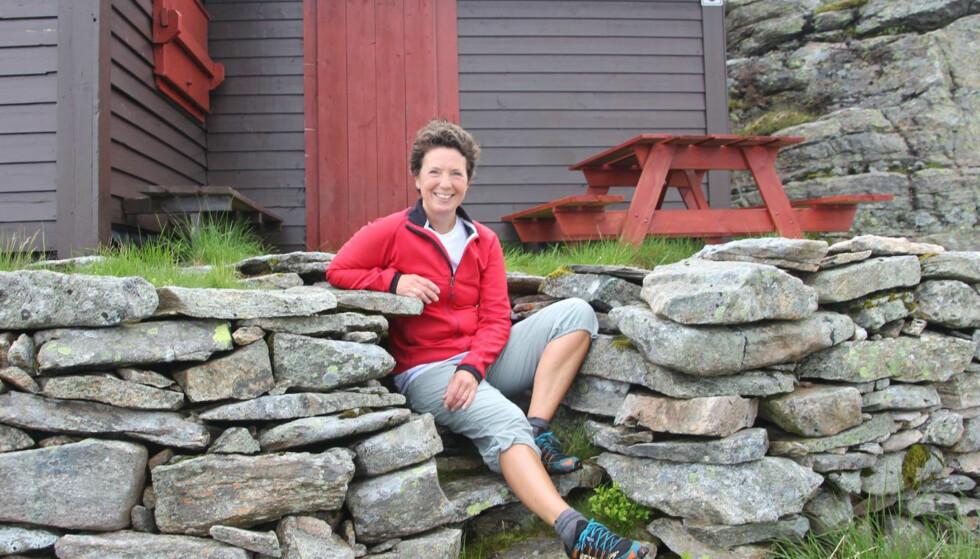 AVSLAPPET: -Jeg har slått meg til ro med det å bli eldre, smiler Tine Sundal (51). Foto: Privat.