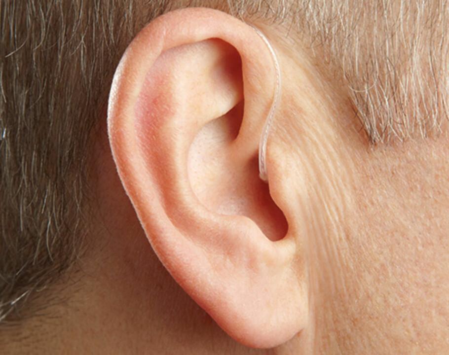 NÆRMEST USYNLIG: I dag finnes høreapparater markedet som er så små og nette at de omtrent ikke synes når du bruker dem. Denne typen heter Receiver-In-Canal (RIC) Foto: Starkey.