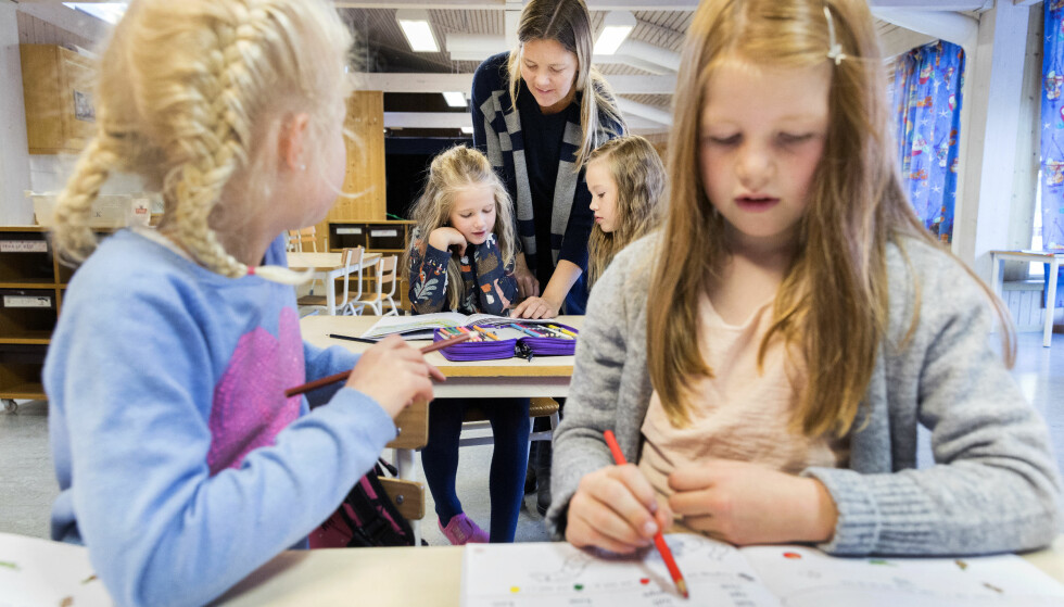 PRESTERER BEDRE: Familieformue påvirker barnas skolegang i positiv retning. Men penger eller ikke; det er mange måter besteforeldre kan hjelpe barnebarna å prestere bra på skolen. Få tipsene fra forskeren lenger nede i artikkelen. Foto: Scanpix