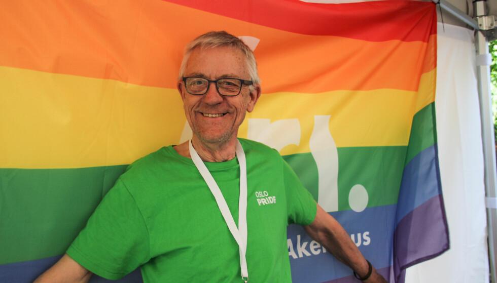 FRIVILLIG: Aasmund Robert Vik har engasjert seg i homokampen siden han var 21 år, og homofili var ulovlig. Foto: Camilla Hjelmeseth