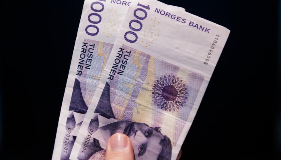 KONTANT: Du må aldri betale kontant for rydding av et dødsbo, mener Stig Pedersen, leder i Norsk Flytteforbund. Foto: NTB Scanpix