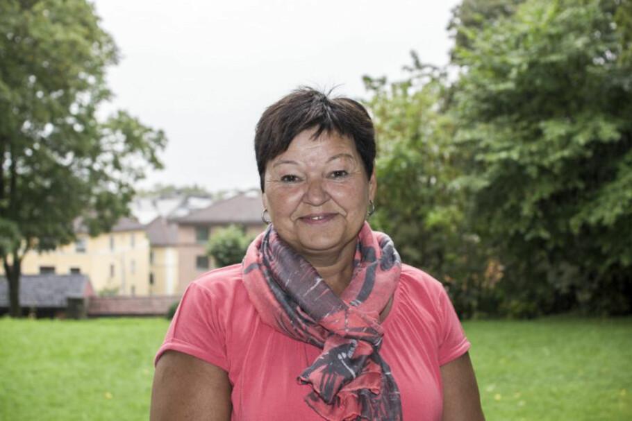 RAMMET AV REVMATISME: Etter 25 år med store smerter, ble Anne Bjørg Evenstad diagnostisert med den revmatiske sykdommen Psoriasis artritt. Foto: Privat.