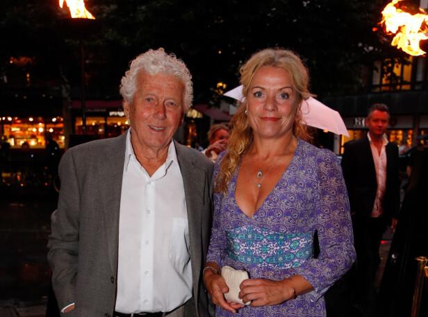 34 ÅRS ALDERSFORSKJELL: Her hjemme er skuespiller Toralv Maurstad (92) gift med Beate Eriksen (58). Foto: Scanpix.