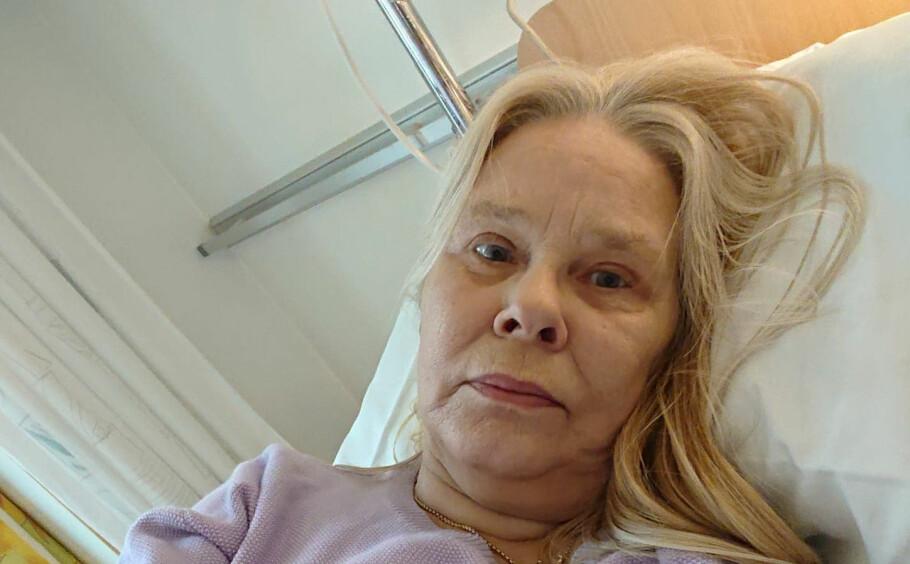 GRANULOMATØS POLYANGIITT: Gry S. Wiik Nordhagen (65) kjente kroppen visne hen. Det skulle gå flere år før hun til slutt fikk den svært sjeldne diagnosen. Foto: Privat.