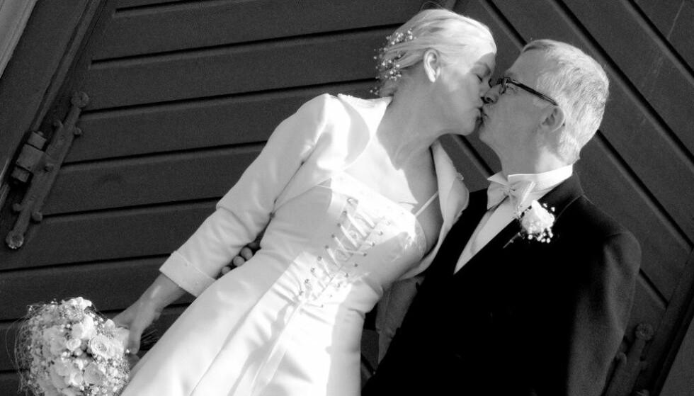 <strong>GIFT:</strong> Etter nesten tre tiår sammen valgte Anne Guri (65) og Sven Erik (69) å gifte seg. Foto: Privat