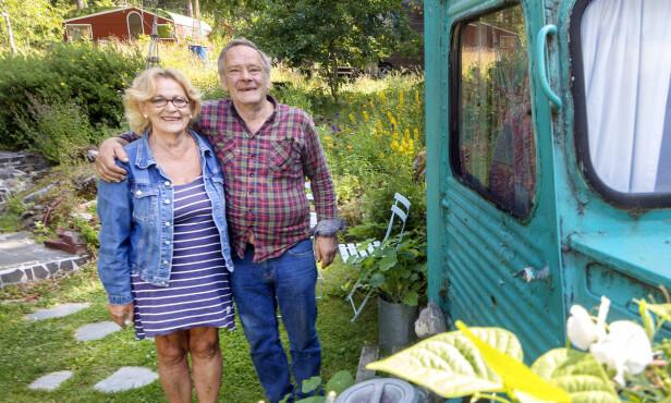 VANUTLEIE: I 2007 ble den turkise vanen brukt til couchsurfing. Fire år senere bestemte Bente Brenna (66) og mannen Pål Nilsen (65) seg for å leie den ut. I dag leier de ut to vaner og to campingvogner på egen tomt. FOTO: Gorm Kallestad/NTB scanpix