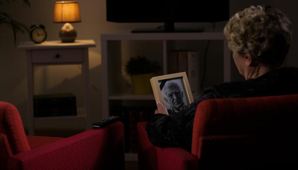 SORG: Tomheten som er igjen etter en livspartner er det mange som føler på, ifølge psykolog Kjell Trygve Ahmer. Foto: Shutterstock