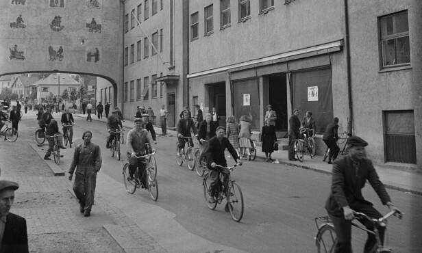 Stor produksjon: Noen av de 75.000 produserte syklene brukte de 400 ansatte selv for å komme seg til og fra arbeid. Foto: Sverre Børretzen / Aktuell / NTB Scanpix