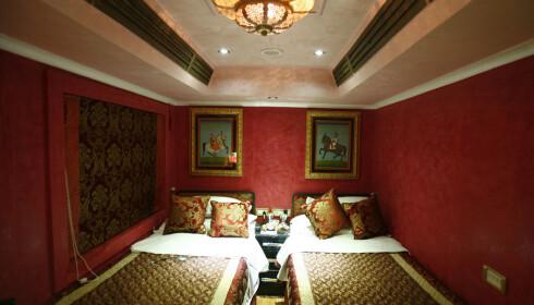 <strong>EKSKLUSIVT:</strong> Nattog betyr ikke alltid ørepropper og matpakke. Her en suite fra indiske Royal Rajastahn on Wheels. Pris: opp til 2000 dollar natten. FOTO: Vijay Mathur, Reuters
