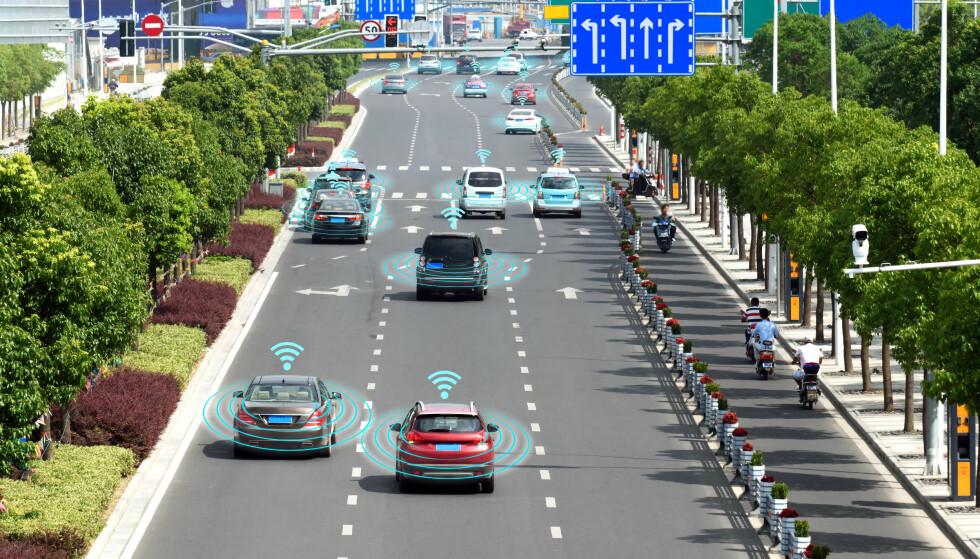 Hva som selvkjørende biler kunne kommunisere og dermed utnytte alle luker mest mulig effektivt? Da hadde ikke ettermiddagsrushet hatt like lange køer. Foto: Shutterstock