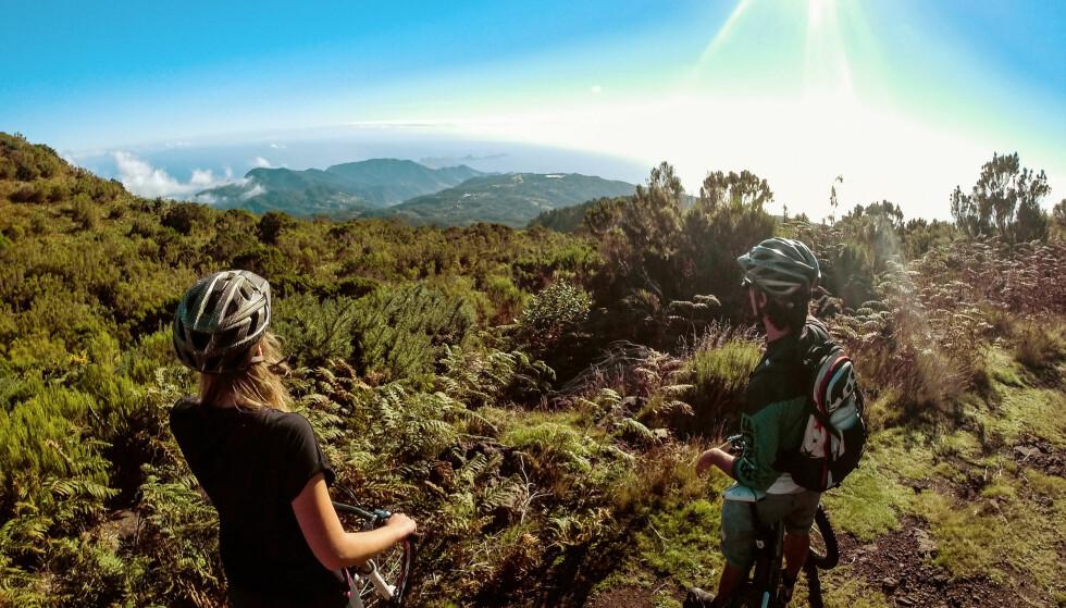SYKKEL: – Jo mer man kan, jo mer utstyr vil man ønske seg, sier Jøril Mæland ved NHH. Fra treningstur på Madeira. Foto: Toni Poikeljärvi / VING