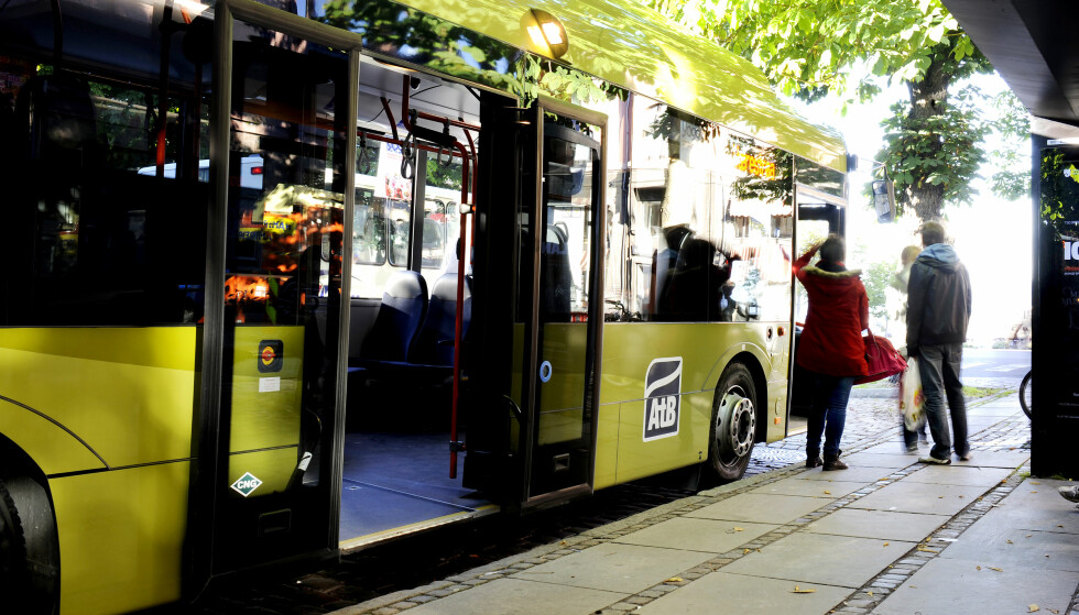 BOT PÅ BUSSEN: Flere reisende har klaget busselskapet i Trondheim, AtB, inn for Transportklagenemda etter å ha fått bot for gjenglemt bevis for rabattbillett, og ikke har kunnet få boten slettet ved å dokumentere det i ettertid. Foto: AtB AS.