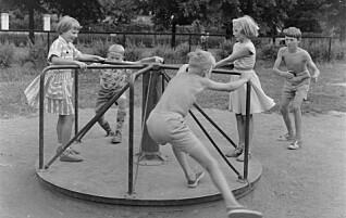 - Mødrene var bekymret, men fant vel ut at de ikke kunne holde barna inne