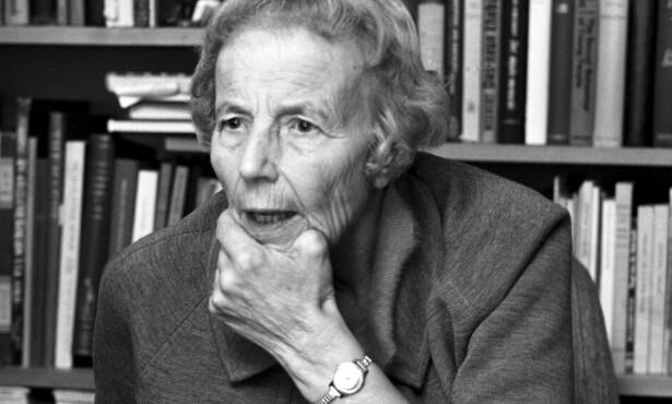 OTTAR: Elise Ottesen-Jensen arbeidet som journalist i flere år. Hun skrev mye om familieplanlegging under psevdonymet «Ottar». Foto: Sverre Børretzen/Aktuell/NTB scanpix