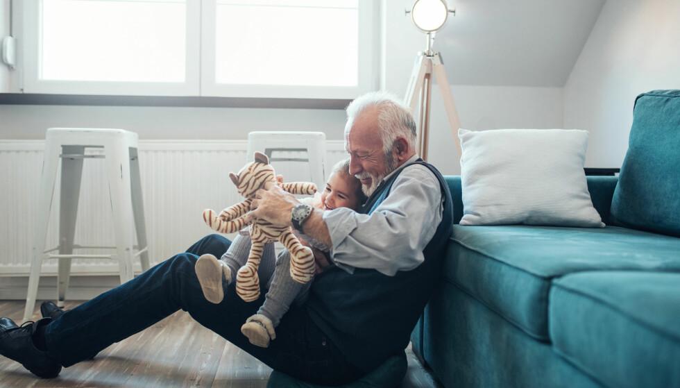 FORVENTET: Det er ingen menneskerett å få barn eller barnebarn, men forventningene er der. Foto: Shutterstock