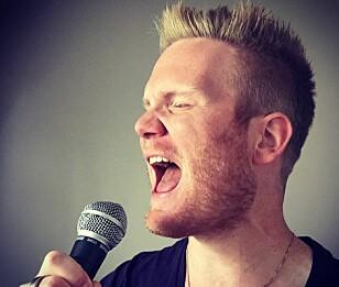TENK PÅ HVOR VOKALENE ER I MUNNEN: Christer Aannestad mener vokalenes plassering i munnhulen er viktig når du synger. Foto: Privat.