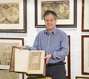 STIGER I VERDI: Antikviteter som gamle bøker kommer til å stige i verdi fremover, mener Sagen. Foto: Privat.