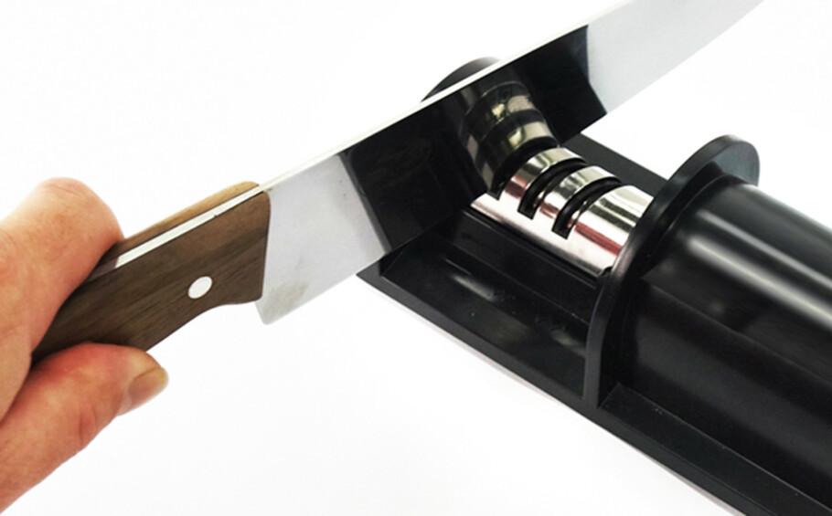 ELEKTRISK KNIVSLIPER: Disse sliperne fjerner stål i stedet for å rette opp eggen. Foto: Produsenten