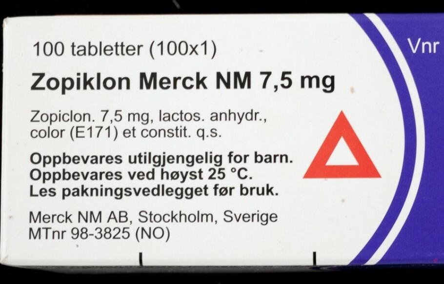 VEILEDENDE: Varseltrekanten betyr ikke nødvendigvis at du må slutte med bilkjøring. Foto: Norsk Farmahistorisk Museum.