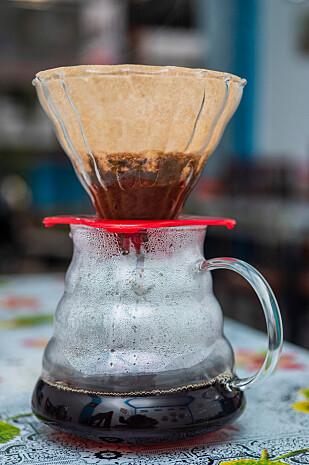 FOR VIDEREKOMMENDE: Hvis du er ekstra flink på å lage kaffe, kan det være lurt å kjøpe en «V60». Foto: Ryan Wijaya Tan / Shutterstock / NTB scanpix.