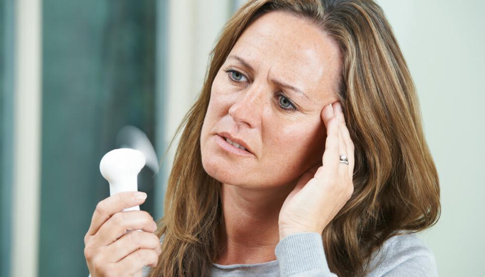 OVERGANGSALDER: Alle kvinner må gjennom det, men noen blir mye mer plaget enn andre. I denne artikkelen forteller ekspertene hvordan du kan dempe symptomene. Foto: Shutterstock / NTB scanpix.