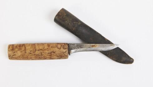 GODT BRUKT: Tollekniv med skaft i tre og slire i metall (cirka. kr 300). Foto: Jan Larsen