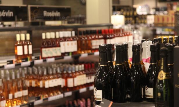 HVA PASSER VINEN TIL?: Det kan være lurt å finne ut hvilken mat som passer til de ulike vinene. Foto: Sondre Tallaksrud