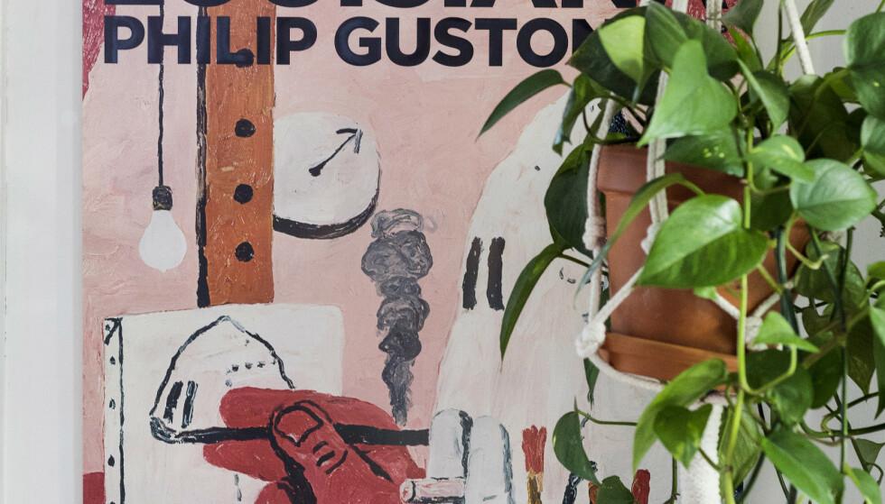 MUSEUM: Museumsbutikker er en fin plass å lete etter fine og rimelige kunstplakater. Denne er fra Louisiana kunstmuseum i Danmark. Foto: Tore Meek / NTB scanpix.
