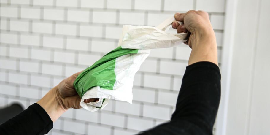 Pakketriks: Posene kan pakkes til en liten ball på 3 sekunder. Foto: Øivind Lie-Jacobsen