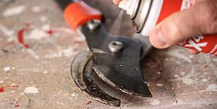 Rens: Det finnes egen rensesray, men vanlig sprayolje fungerer også helt greit. Foto: Øivind Lie-Jacobsen