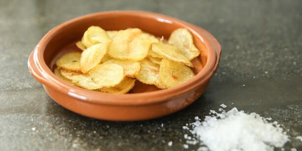 Potetgull: Nystekt potetgull rett fra mikrobølgeovnen smakte helt utmerket. Foto: Øivind Lie-Jacobsen