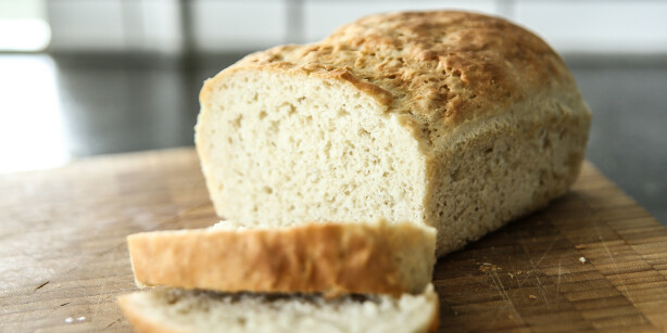 Godt brød: Brødet fikk ingen varige med etter å ha fått en runde i mikroen. Snarere tvert i mot. Foto: Øivind Lie-Jacobsen