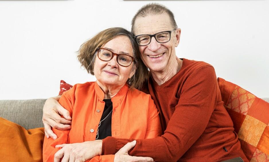 IRRITERENDE FORELSKA: De er 71 og 72 år gamle, men innrømmer glatt at de er like irriterende forelska som da de var 16. Foto: Stefan Jerrevång