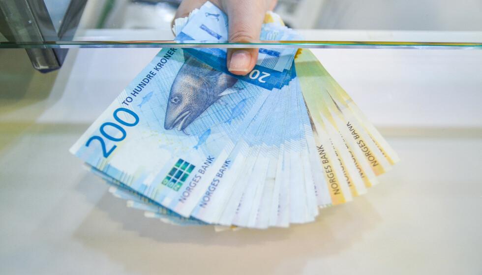NÅR ARVEN KRYMPER: Er det lov å bli stressa over arven hvis du ser at foreldrene dine begynner å bruke vel mye penger på sine eldre dager? Foto: NTB/Scanpix