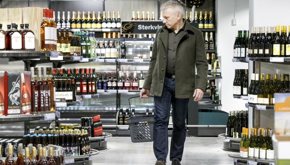 Vi kan ikke slå fast at folk over 60 drikker mer enn før. Foto: NTB scanpix