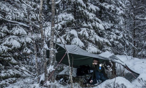 SOVER UTENDØRS43: For mange med vinterdepresjon er mangel på dagslys en utløsende årsak. Dermed blir det viktig å komme seg ut når dagene blir kortere. Du trenger ikke rådyrt utstyr. FOTO: Maria Edvardsen