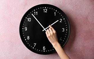 I helga stilles klokka, men vet du hvorfor?