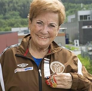 <strong>MEDALJESAMLER:</strong> Marit Hval Olsen (75) er en av dem  i turngruppa som har vært med på flest stevner.
