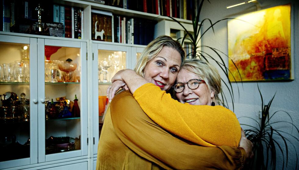 SJELS ELSKEDE: Jan Elisabeth beskriver kona Eva som sin sjels elskede. - Kanskje det er derfor vi tåler det meste. Foto: Nina Hansen/ Dagbladet